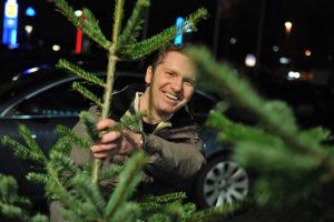 Geschlagene Weihnachtsbäume können Sie nach Ihrer Veranstaltung verschenken.