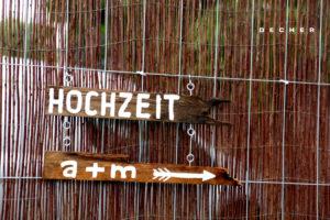 DIY Sign/ Beschilderung für Wedding Location Green House bei Frankfurt